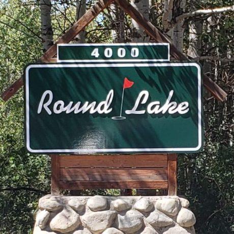 Round Lake sign